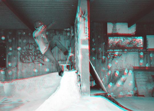 青赤眼鏡スケート写真