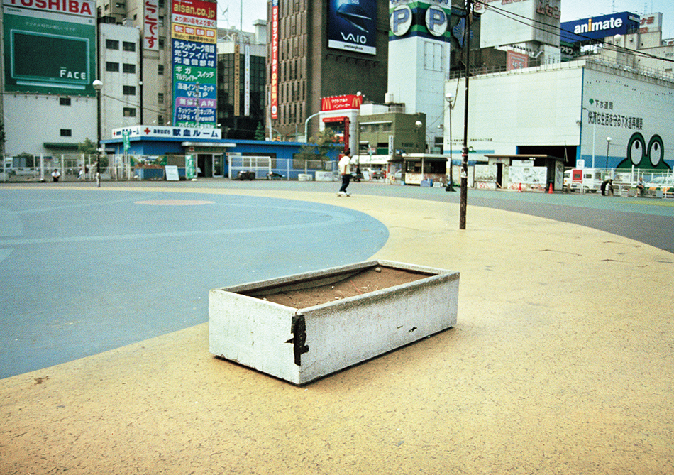 006_010426Akihabara_09.jpg